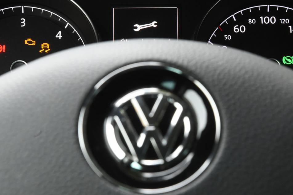 Ein 4-Jähriger unternahm mit dem VW seiner Mutter erste Fahrversuche (Symbolbild).
