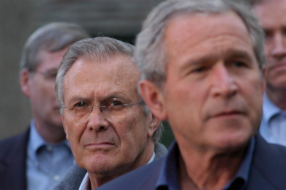 """Achse des Bösen"""": US-Präsident George W. Bush (70) und Verteidigungsminister  Donald Rumsfeld (84) werden als Hintermänner der Anschläge bezichtigt."""