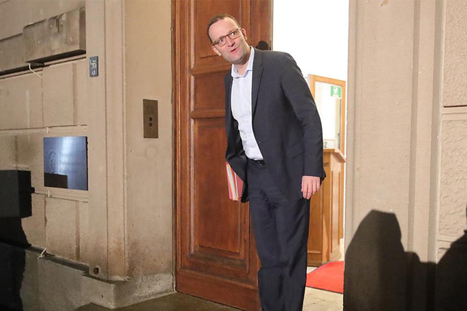Jens Spahn (37, CDU) will Migrations-Vorhaben in der Regierungs-Koalition verankern.
