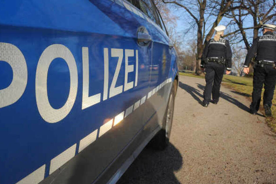 Die Polizei sucht nun nach dem Mann, der sich an drei Frauen vergehen wollte. (Symbolbild)