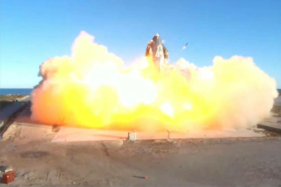 The SpaceX Starship SN-8 test rocket crash-landed in a massive fireball on its launch pad.