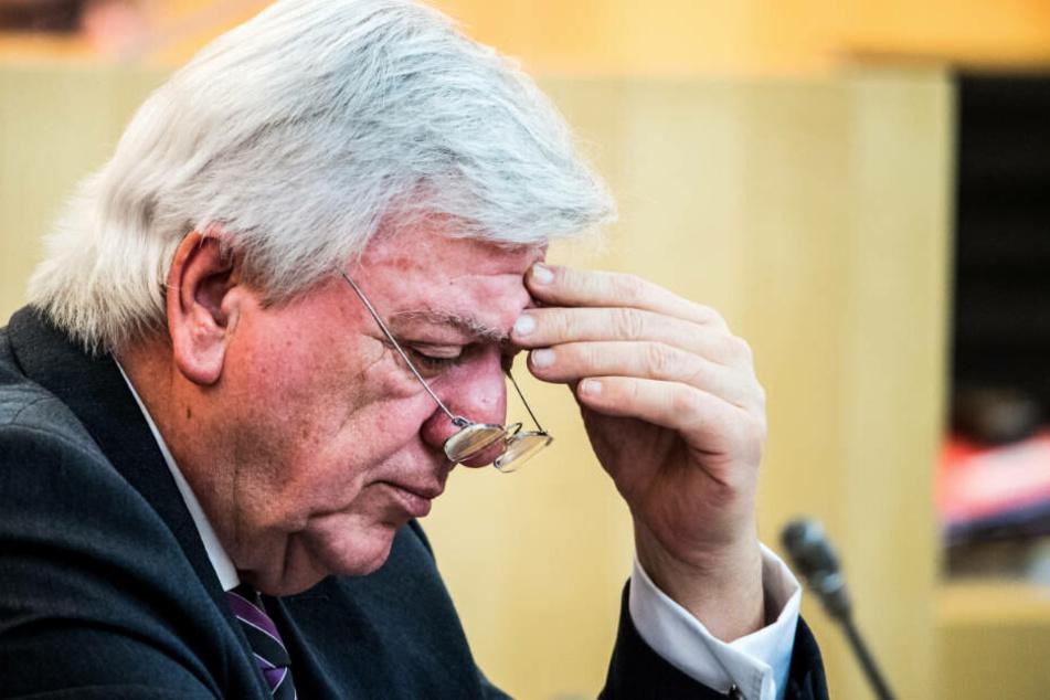 Ministerpräsident Bouffier kritisierte Hermanns Rede als hasserfüllt und doppelgesichtig.