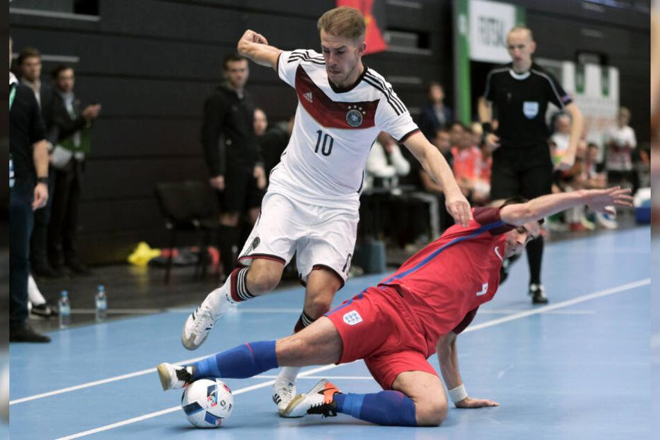 Hamburgs Michael Meyer, hier gegen England im Einsatz, absolvierte bisher zwölf Länderspiele für die deutsche Futsal-Nationalmannschaft.