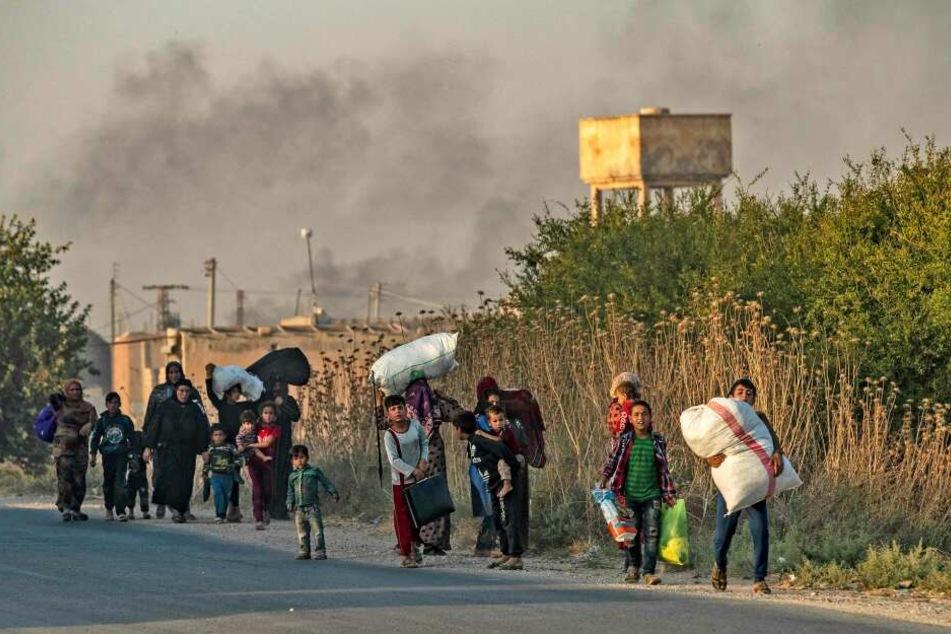 Der Einmarsch der türkischen Truppen vertreibt viele Menschen in Nord-Syrien.