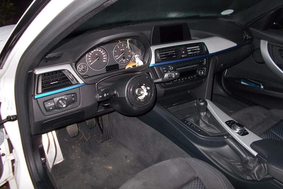 Auch diesen BMW schlachteten Diebe komplett aus und stahlen das Lenkrad samt Airbag.