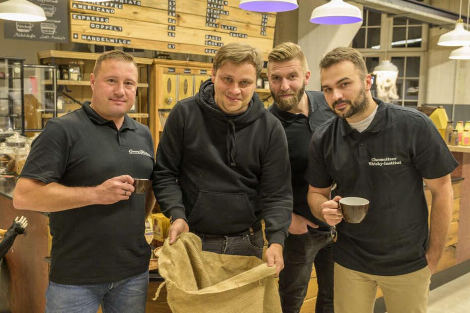Die Chemnitzer Gaumenfreunde Daniel Bartschke (v.l.), Matthias Dallinger, Robert Scherze und Stan Braun teilen die Liebe zum Genuss.