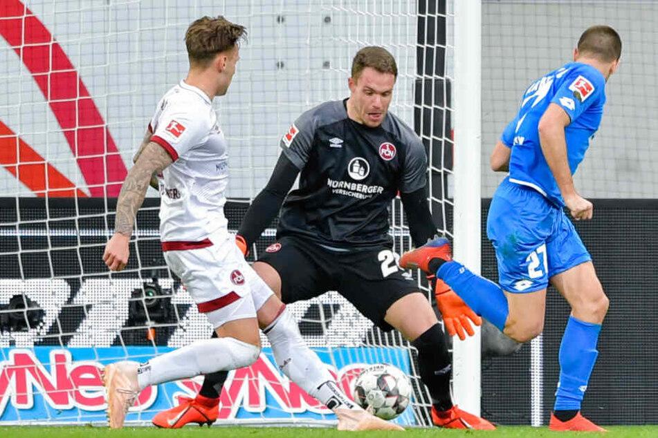 Traumtor gegen Nürnberg: Per Hacke trifft Andrej Kramaric zum 2:1-Siegtreffer für die TSG.