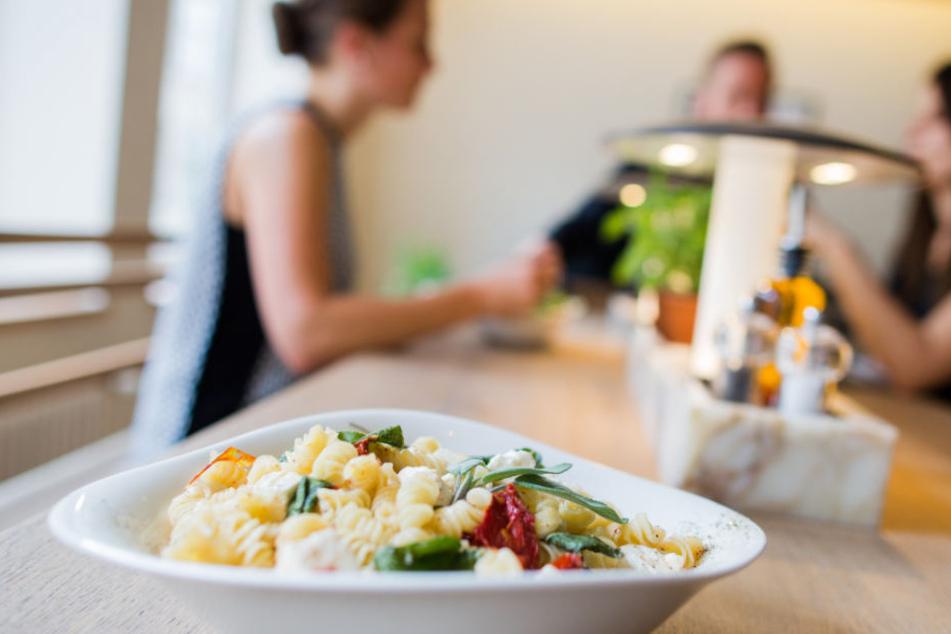 Bei Vapiano gibt es italienische Speisen.