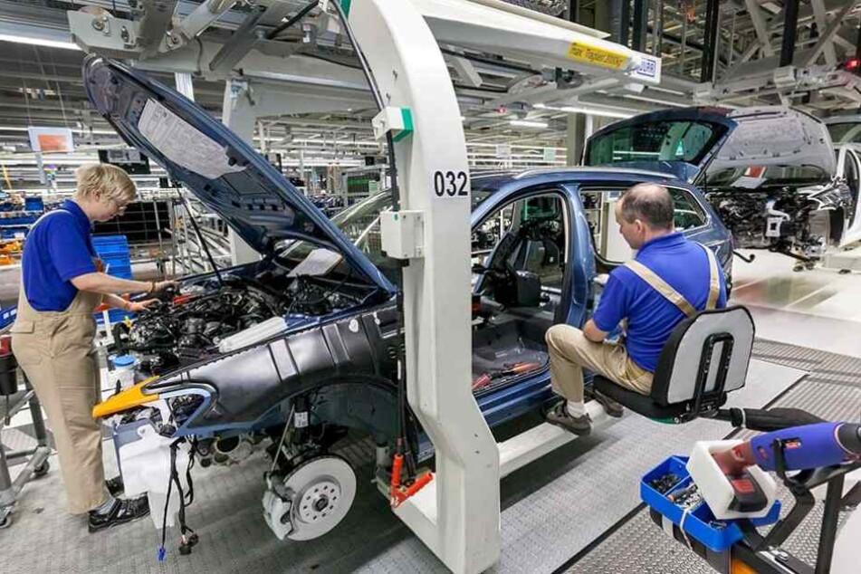 8300 Mitarbeiter hat VW in Zwickau. Die sind auch beim Bau von E-Mobilen nicht in Gefahr.
