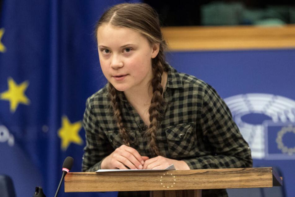 Greta Thunberg spricht bei einer Sondersitzung des Umweltausschusses im Europäischen Parlament.