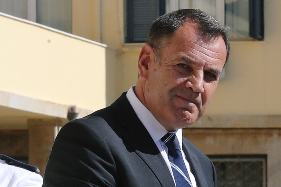 Der griechische Verteidigungsminister Nikos Panagiotopoulos erklärte, dass die Nato über die Lage bereits informiert sei.