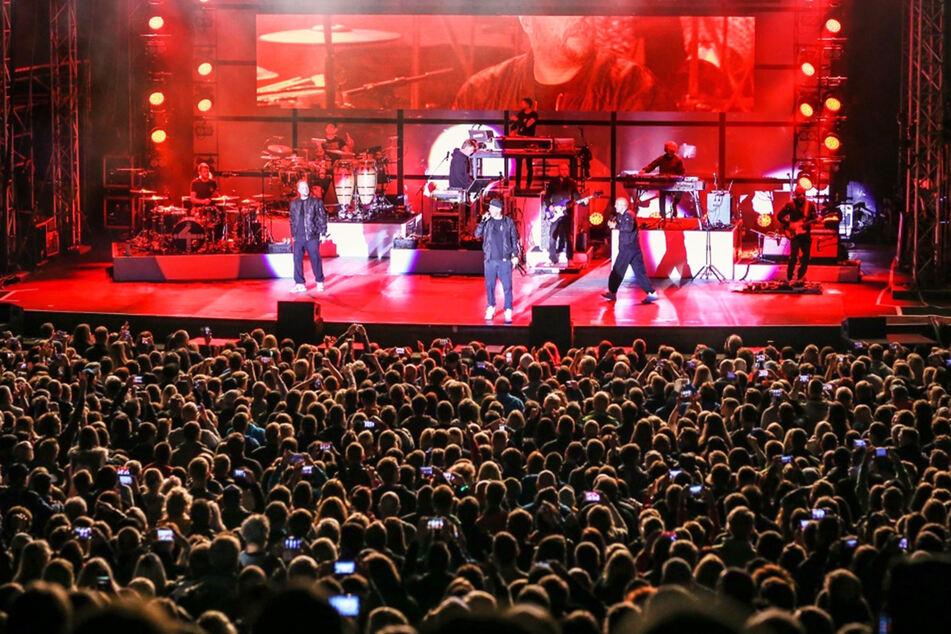 Ein Verbot von Großveranstaltungen, wie etwa Konzerte, wird von der Mehrheit der Deutschen befürwortet.