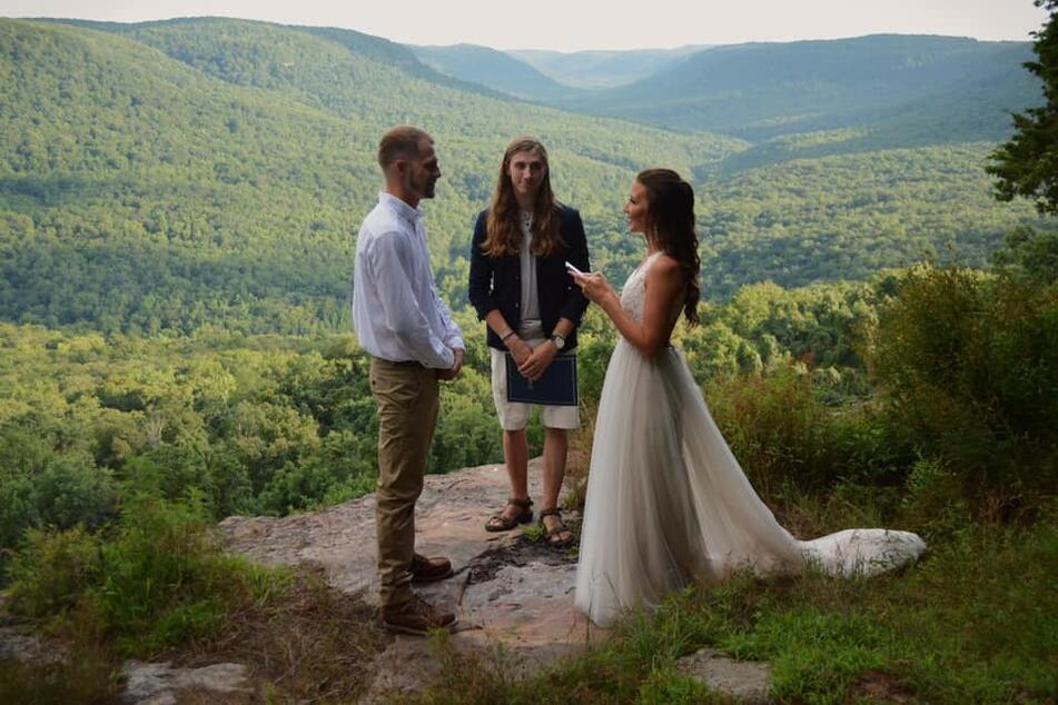 Before the stunt, Skye and Ryan Myers got married in front of a picturesque backdrop.