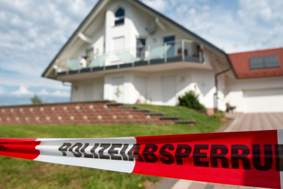 Walter Lübcke wurde im Juni 2019 auf der Terrasse seines Hauses in Wolfhagen bei Kassel mit einem Kopfschuss getötet.