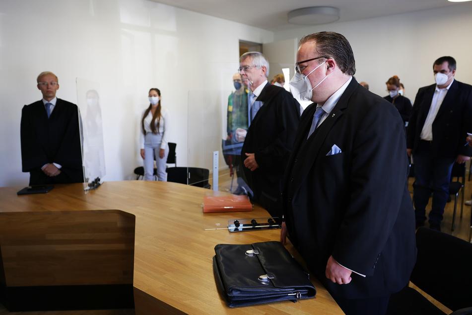 Vor dem Arbeitsgericht in Köln hat am heutigen Freitag eine Verhandlung um die fristlose Kündigung eine Justiziarin des Erzbistums Köln stattgefunden.