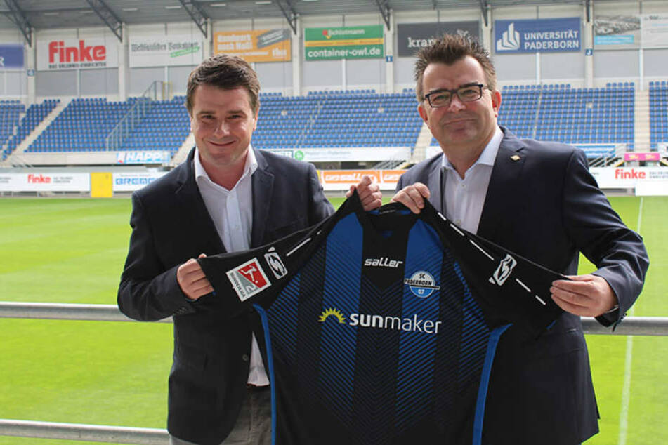 SCP-Geschäftsführer Martin Hornberger (r.) und Rainer Saggau (l.) von Infront Germany freuen sich über die neue Partne