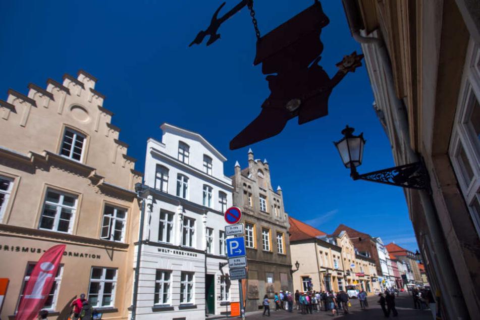 In der Wismarer Innenstadt eskalierte der Streit. (Symbolbild)