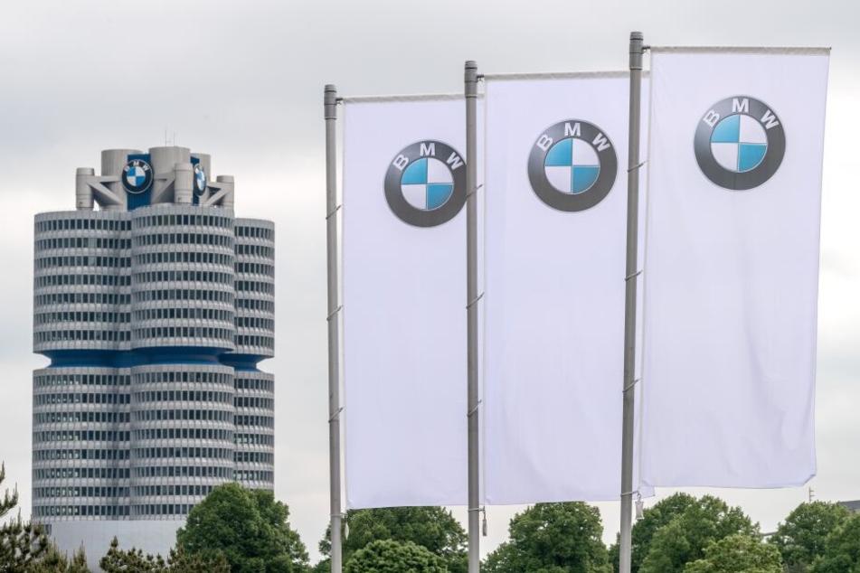 BMW kürzt tausenden Mitarbeitern Gehalt und Arbeitszeit