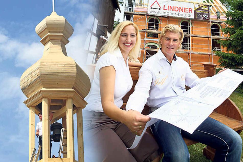 Vivienne Leis (39) und Tino Taubert (53) freuen sich über den Baufortschritt ihrer Kapelle. Nächste Woche ist Richtfest.