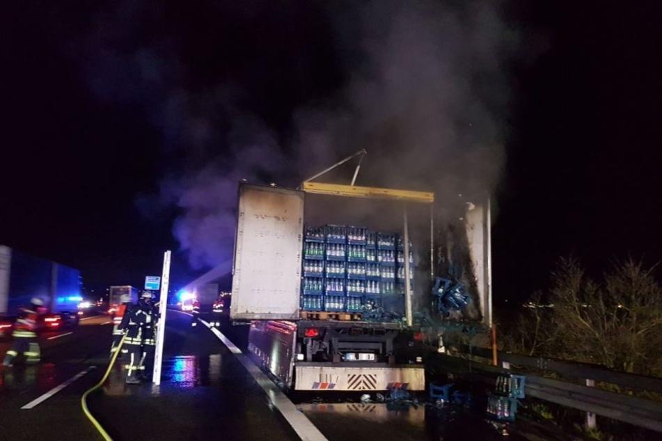 Im Laderaum des Getränkelasters war ein Feuer ausgebrochen.