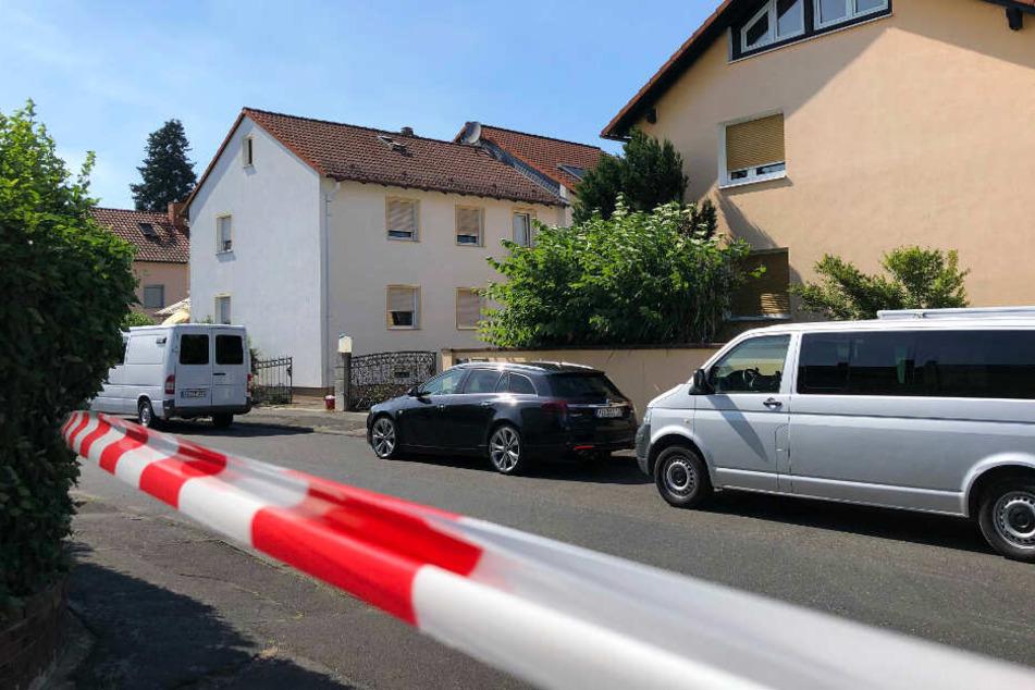 In einem Wohnhaus in Kahl am Main wurden zwei Leichen gefunden.