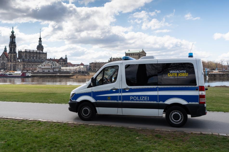 Gezielt ist die Dresdner Polizei unter anderem am Elbufer unterwegs.