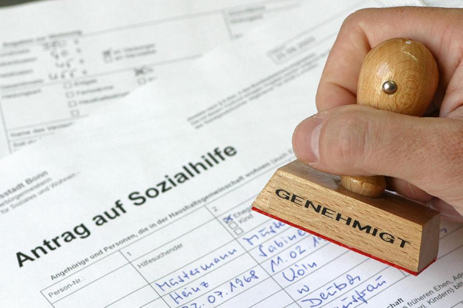 Um Sozialbetrug auszuschließen kontrolliert der Freistaat alte Registrierungen von Asylbewerbern.
