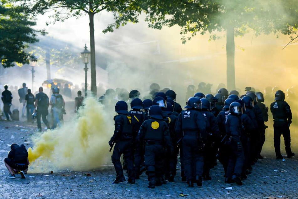 Die Proteste werden noch das ganze Wochenende über andauern.