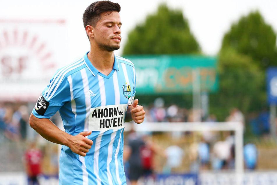 Augen zu und durch! Nationalspieler Stefano Cincotta stand in dieser Saison noch keine  einzige Minute auf dem Platz.
