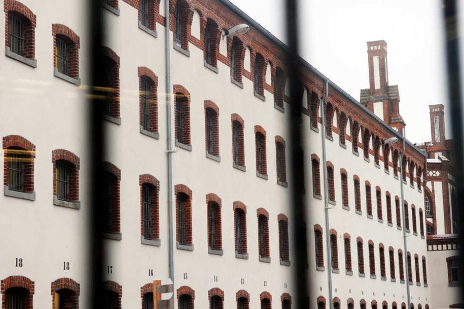 Wie hier im Knast von Neumünster (Schleswig-Holstein) dürfen Gefangene in  Zeithain ab sofort mit Angehörigen skypen.