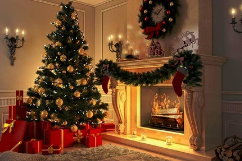 Der Weihnachtsbaum verursachte einen Schaden von 20.000 Euro (Symbolbild).