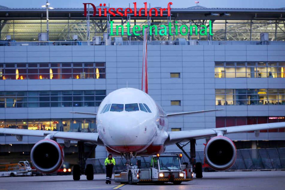 Im Juli wurde ein Sicherheitsmitarbeiter (51) bei einer Messerattacke am Flughafen Düsseldorf schwer verletzt.