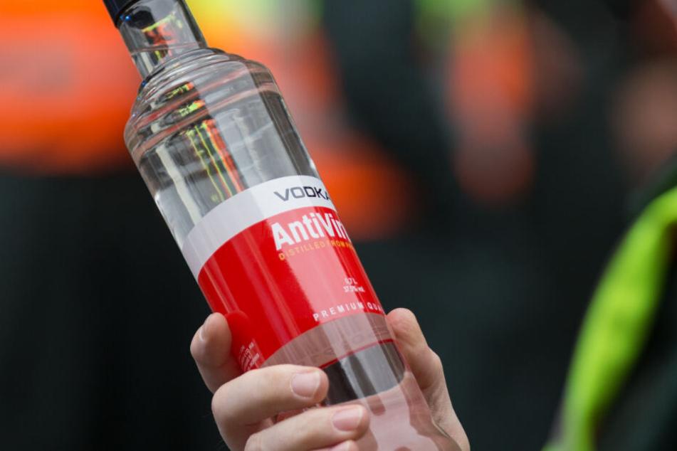 Die Vierfach-Mutter trank sich mit Vodka in die Bewusstlosigkeit. (Symbolfoto)