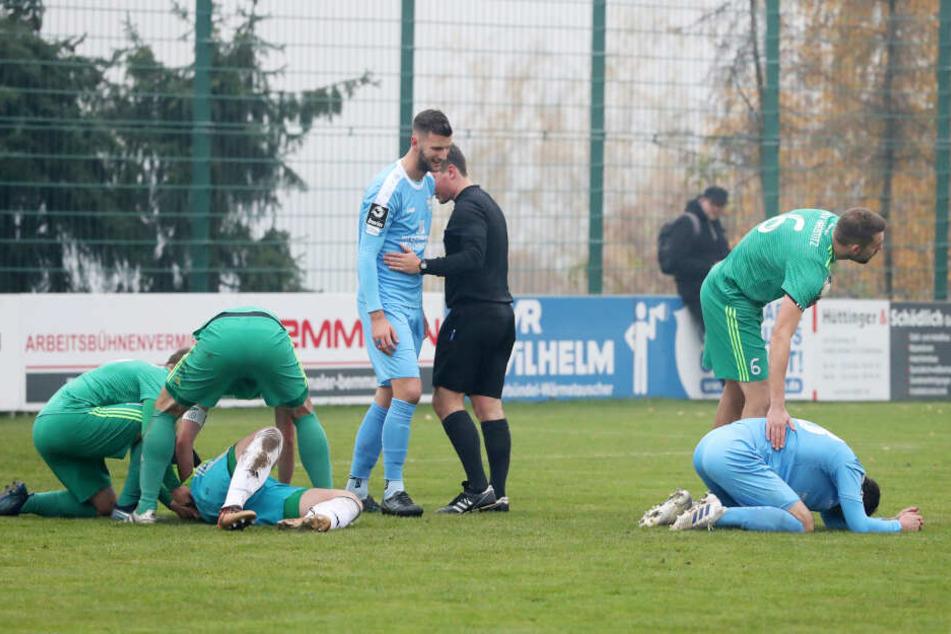 FSV-Torwart Jan Evers musste in der ersten Häfte nach einem Zusammenprall mit CFC-Spieler Thomas Doyle verletzt ausscheiden.
