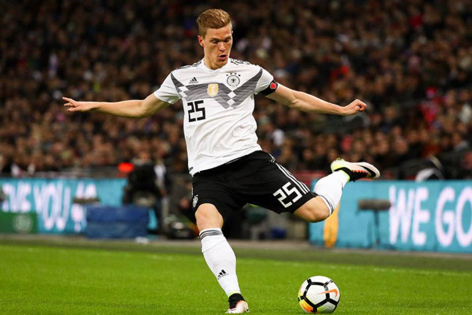 Marcel Halstenberg (26) kann sich nach seinem Debüt in der deutschen Nationalmannschaft über ein Lob von Jogi Löw freuen.