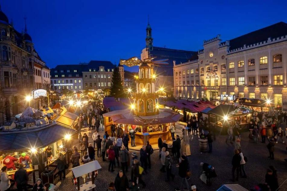 Am Dienstag wurde in Zwickau der Weihnachtsmarkt eröffnet.