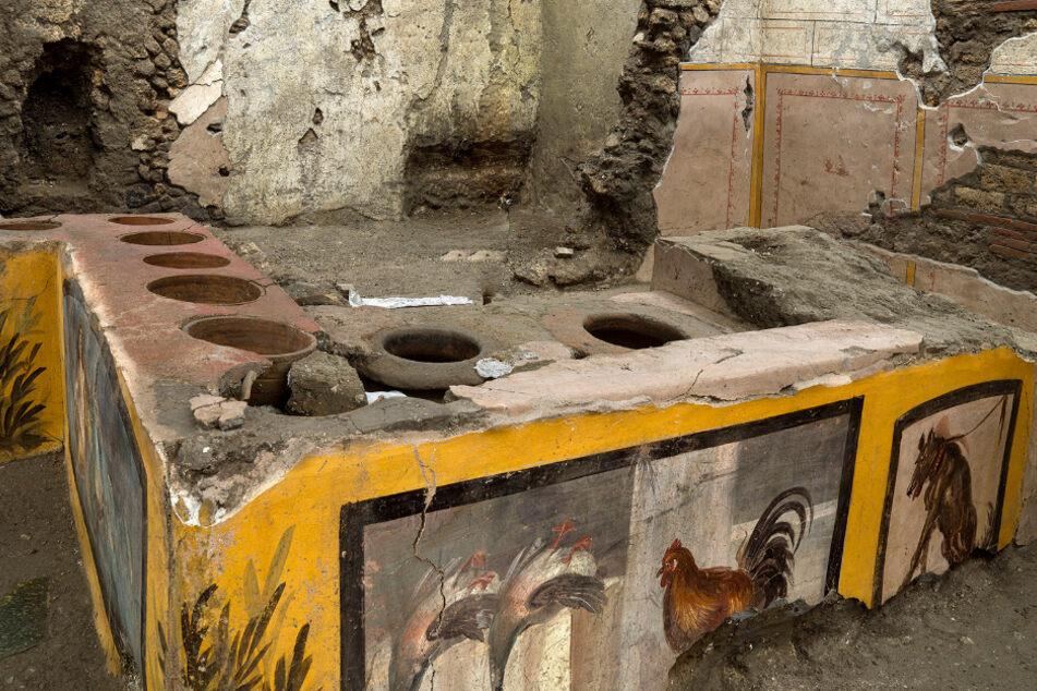 """Forscher graben antike """"Snack Bar"""" aus: Machte sich Witzbold am Tresen zu schaffen?"""