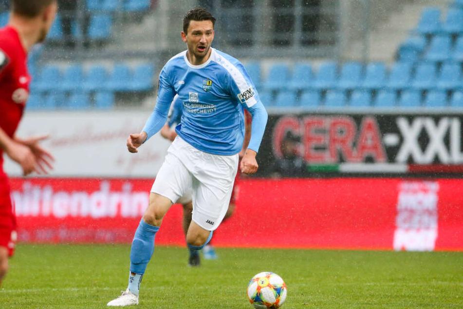 Matti Langer verlor mit dem Trainerwechsel seinen Platz im Mittelfeld. Zwei Verletzungen warfen den Routinier zurück. Jetzt ist er wieder fit und steht für Braunschweig bereit.