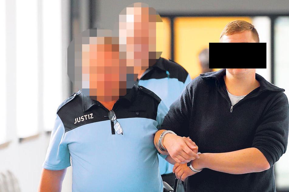 Sechs Monate Haft, weil er in die DVB-Bahn kackte