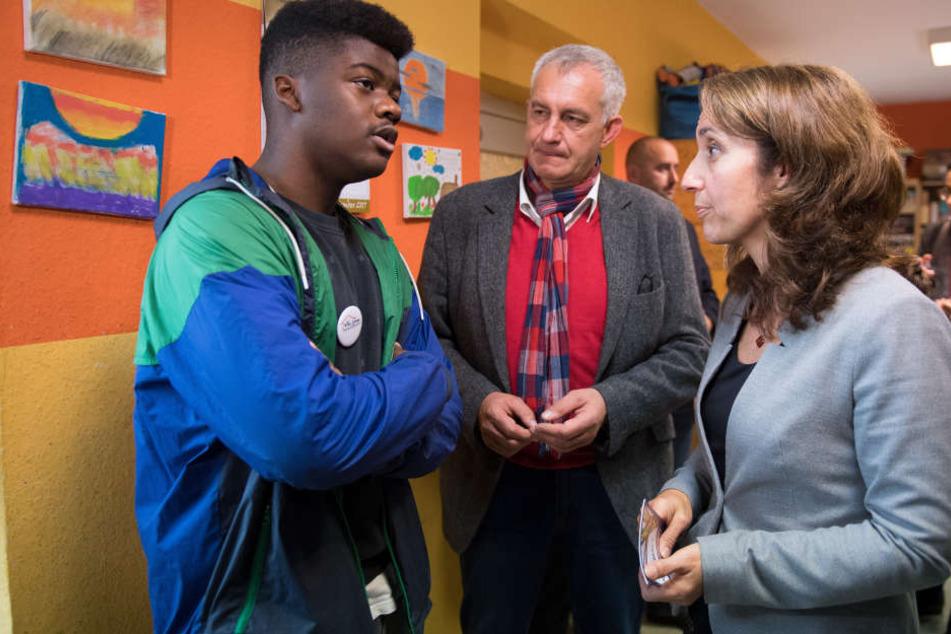 U.a. besuchte die Integrationsbeauftragte eine Einrichtung, in welcher minderjährige Flüchtlinge betreut werden.