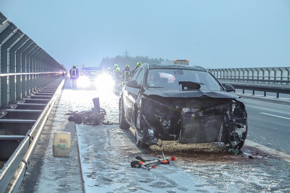 Schnee und Glatteis im Vogtland: Heftiger Crash auf A72
