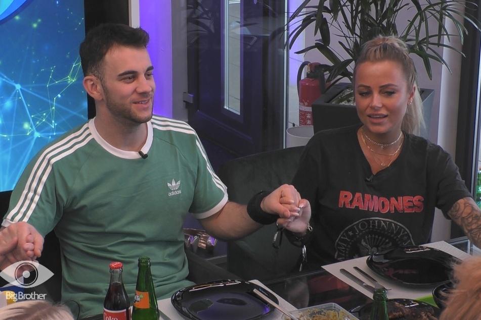 Ihren Traummann Serkan (26) hatte Jade zwar an der Kette. Der aber liebt nur seine Freundin Carina Spack...