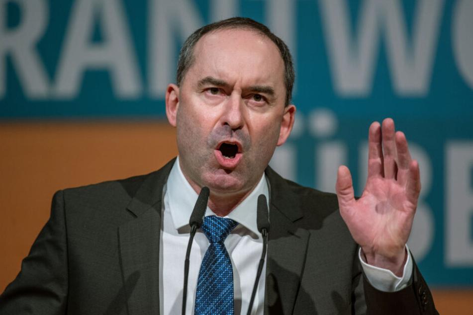 Hubert Aiwanger, Vorsitzender der Freien Wähler und bayerischer Wirtschaftsminister, stellt finanzielle Hilfe in Aussicht.