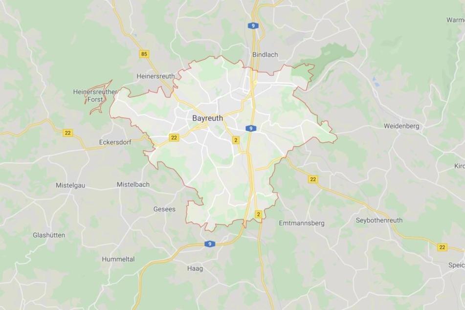 Ein Mann wurde bei einem Streit im bayerischen Bayreuth mit einem Messer schwer verletzt.