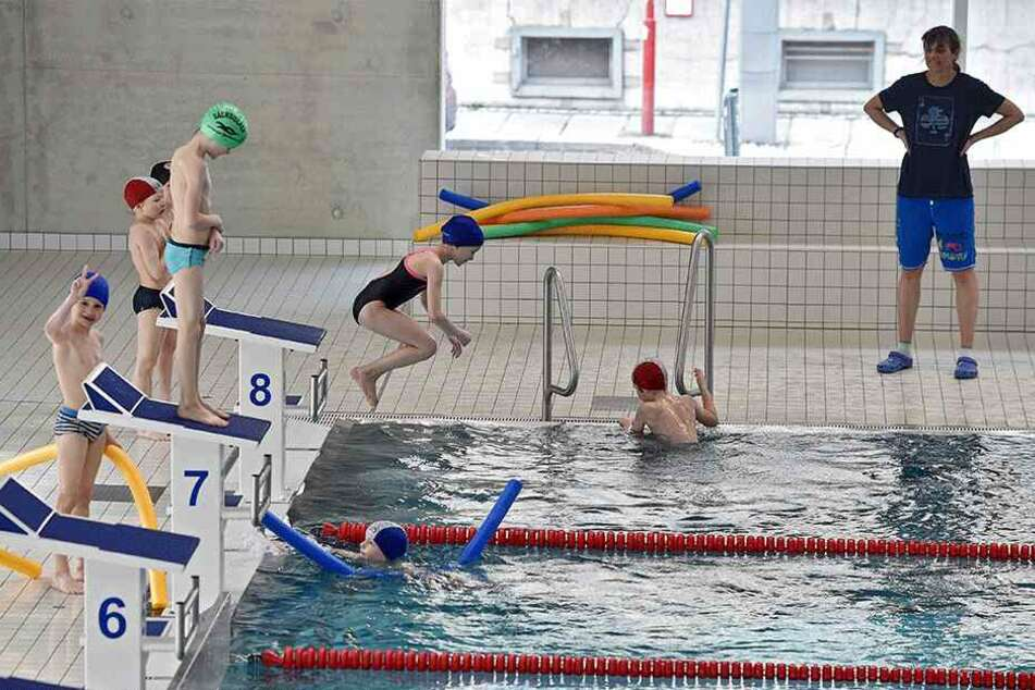 In Dresden wird munter über neue Schwimmhallen gestritten.