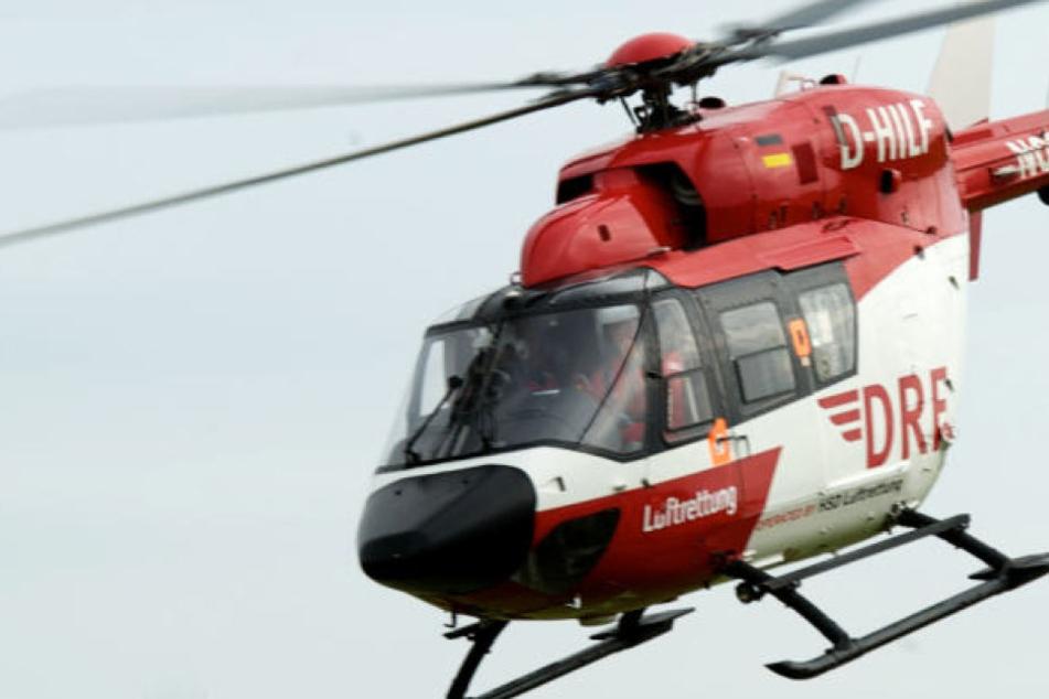 Ein Rettungshubschrauber brachte den schwer verletzten Jungen (13) in ein Krankenhaus. (Symbolbild)