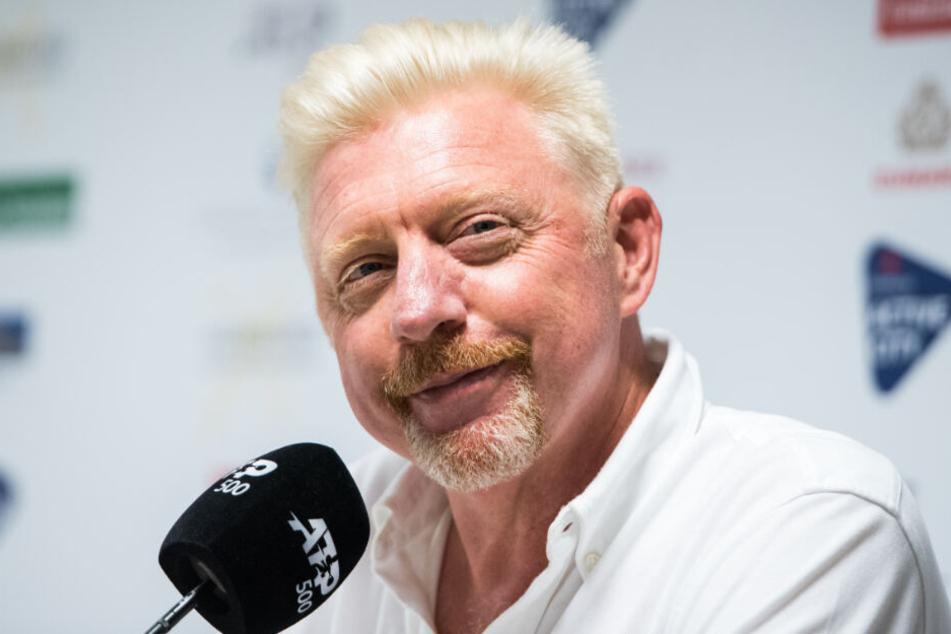 Boris Becker sieht sich das Tennis-Turnier in Hamburg an und kommentiert es für die Presse.