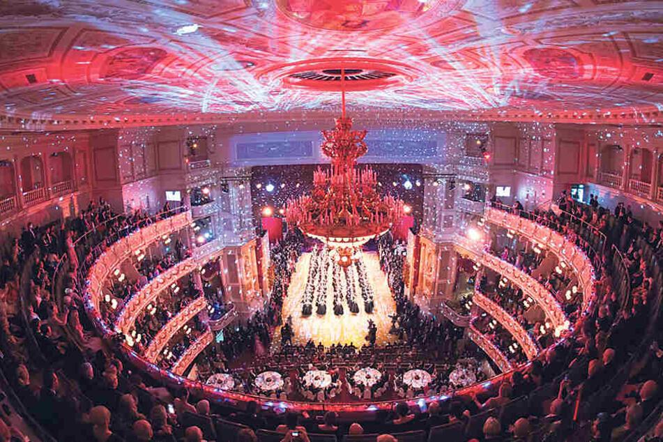 Am 1. Februar verwandelt sich die Semperoper in den glamourösen Ballsaal für den 14. SemperOpernball.