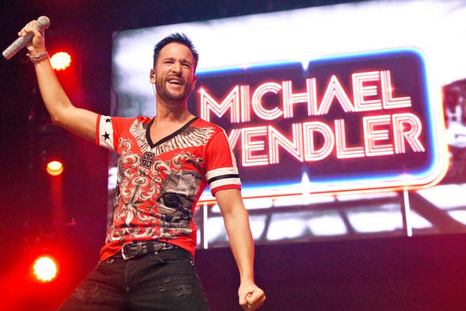 Der Sänger Michael Wendler im März 2016 auf einer Bühne (Archivbild).