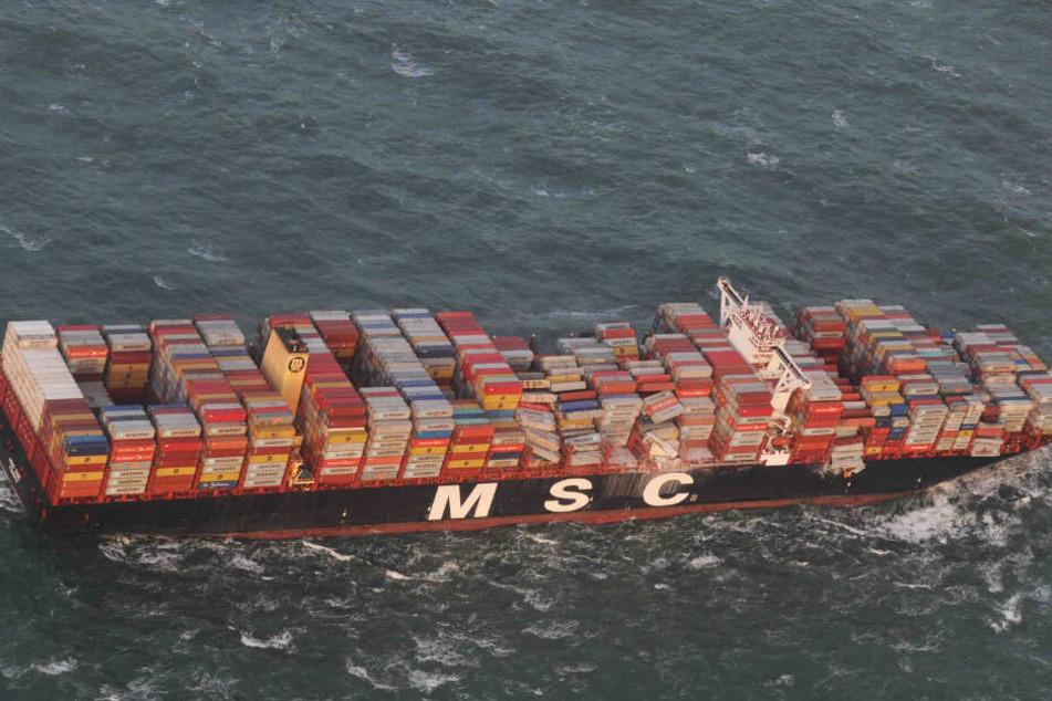 Die MSC Zoe verlor Anfang Januar mehr als 300 Container.